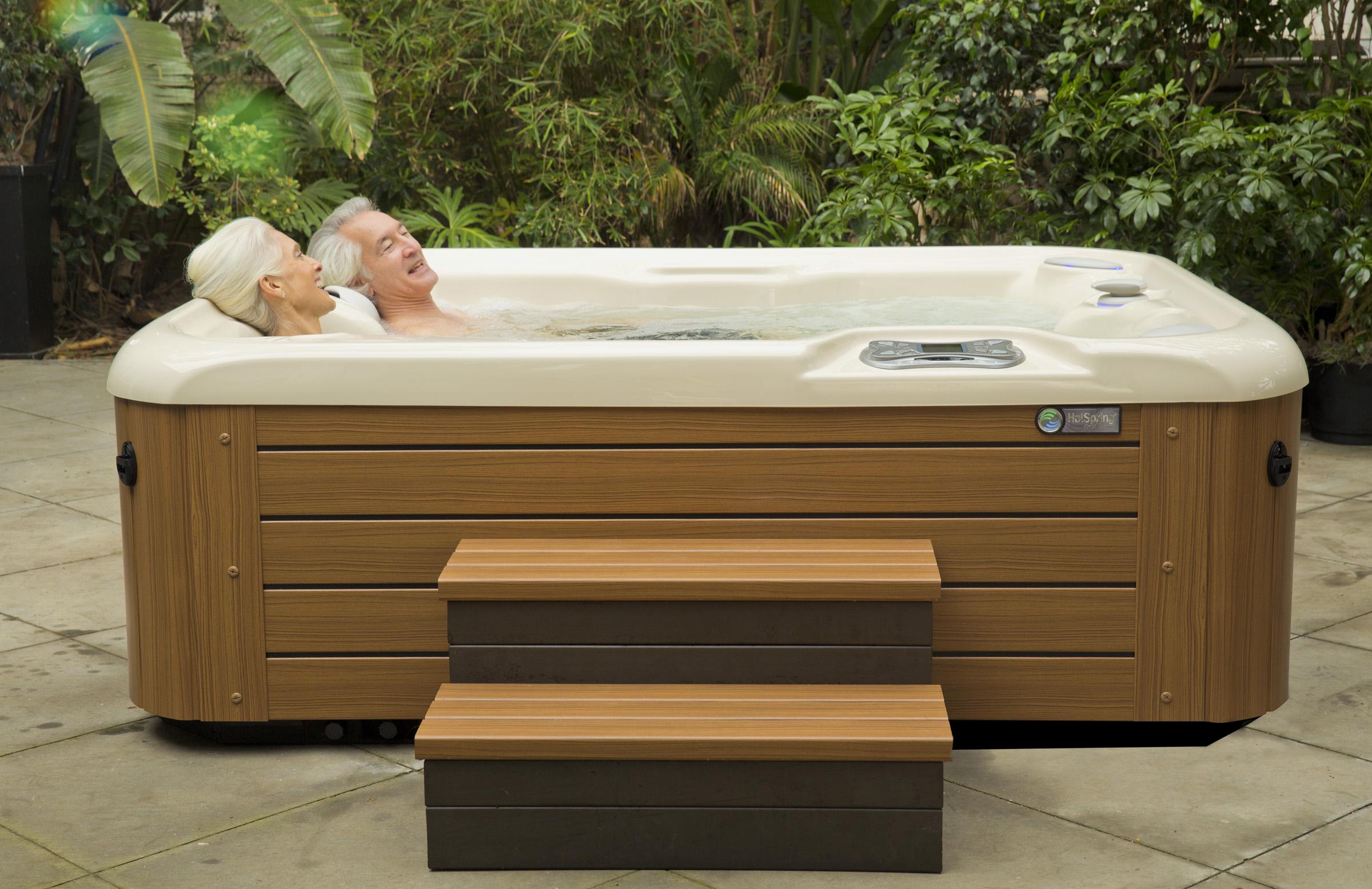 Hot Tub - Fun Center